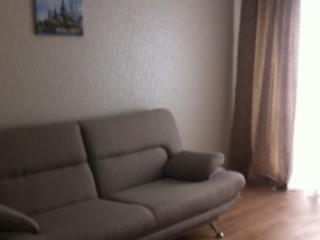 Снять квартиру на длительный срок на улице Мира 6 в Волгограде без посредников. Объявление № 2352 с фото