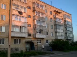 Продажа квартир: 3-комнатная квартира, Свердловская область, рп. Ачит, ул. Кривозубова, фото 1