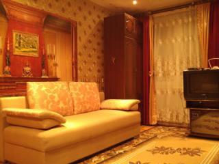 Аренда квартир: 2-комнатная квартира, Псков, Инженерная ул., 62А, фото 1