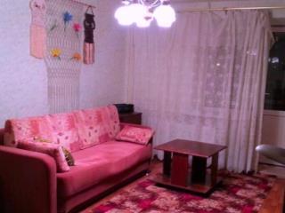 Продажа квартир: 2-комнатная квартира, республика Татарстан, Зеленодольск, ул. Вали Хазиева, 4, фото 1