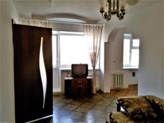 Аренда квартир: 2-комнатная квартира, Красноярский край, Канск, ул. 40 лет Октября, 86, фото 1