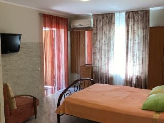Снять 1 комнатную квартиру по адресу: Севастополь ул Кирова 18