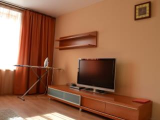 Снять 1 комнатную квартиру по адресу: Салехард г ул Зои Космодемьянской 63