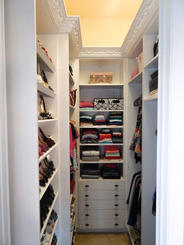 Гардеробная комната своими руками из кладовки небольшая фото 60