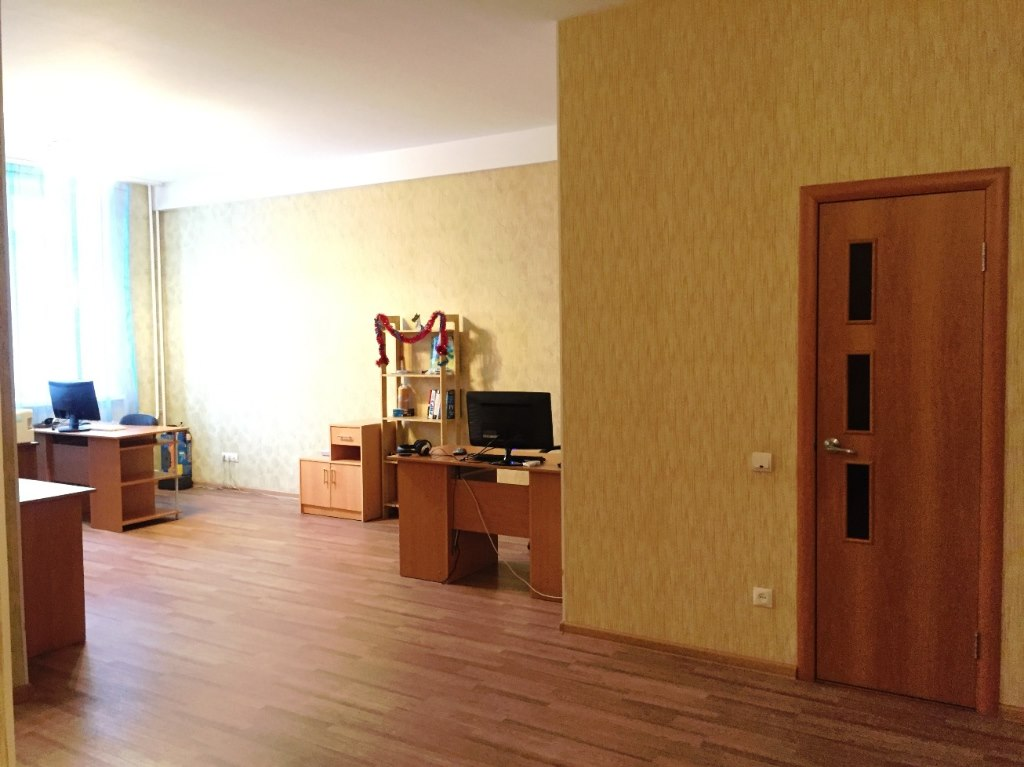 Продажа квартир: 2-комнатная квартира, Омск, ул. Маршала Жукова, 107, фото 1