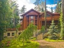 Частные дома врегионах России продолжают дешеветь