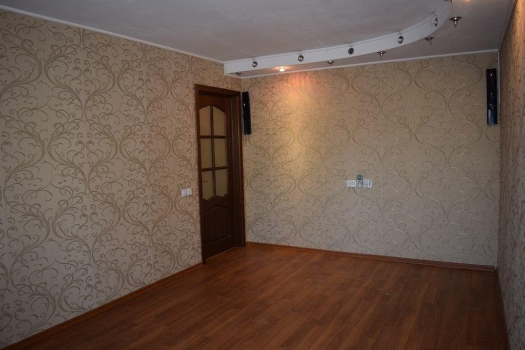 Продается двухкомнатная квартира за 1 550 000 рублей. обл Ростовская, г Таганрог, ул Калинина, дом 127.