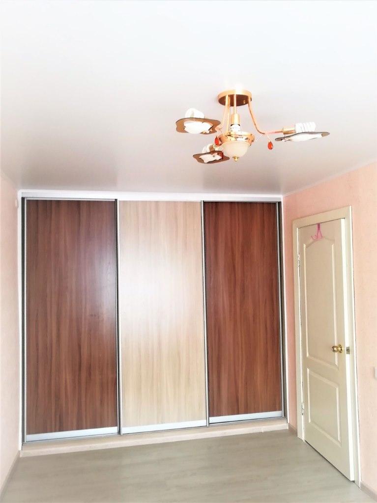 Продается трехкомнатная квартира за 1 950 000 рублей. г Барнаул, поселок Научный Городок, д 17.
