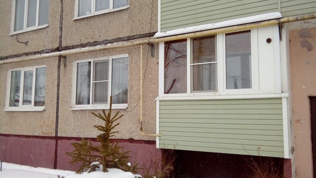 Продается трехкомнатная квартира за 1 600 000 рублей. Московская обл, г Коломна, деревня Малое Карасево, ул Центральная, д 8.